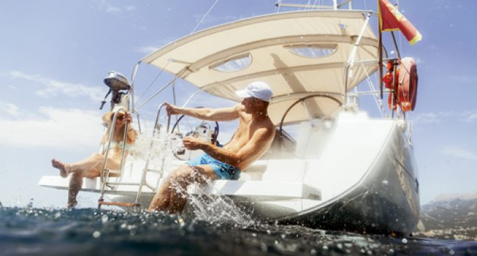 BOATING INSURANCE: ALL HANDS ON DECK?