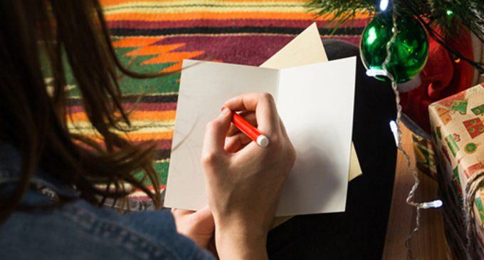 FIVE THINGS TO CONSIDER WHEN SENDING CLIENT HOLIDAY CARDS